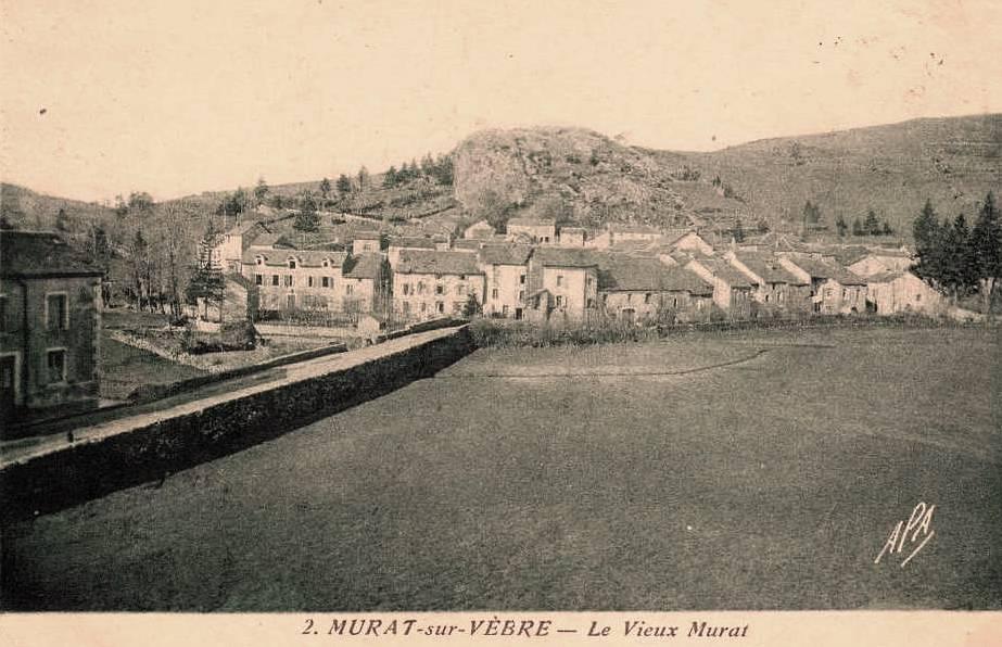 Carte postale du vieux village de Murat-sur-Vèbre